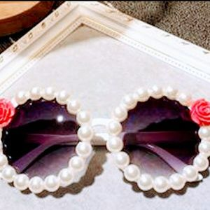 Sunglasses with pearl and 🌹